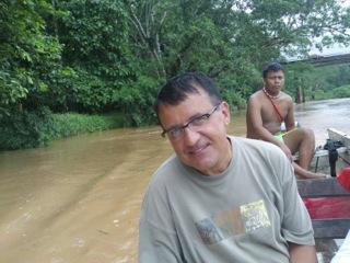 Canoe jest jedynym sposobem dotarcia do wioski Embera, oazy spokoju.